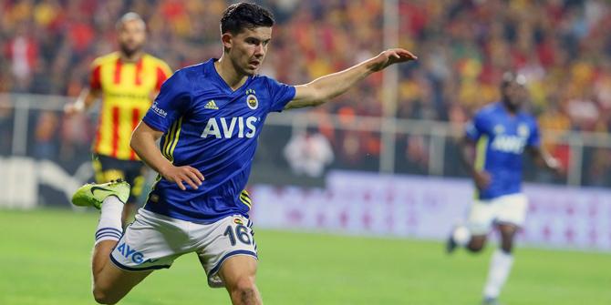 Ferdi Kadıoğlu'ndan Fenerbahçe taraftarına teşekkür