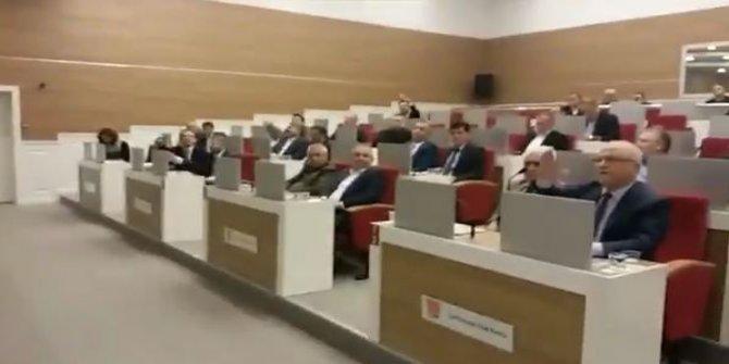 CHP'li meclis üyesine AKP'lilerden sözlü saldırı