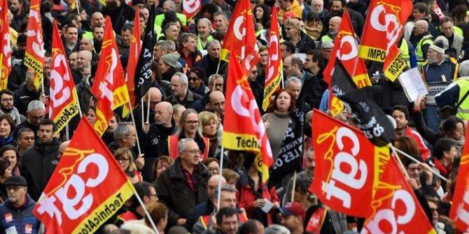 Fransa'da grev devam edecek