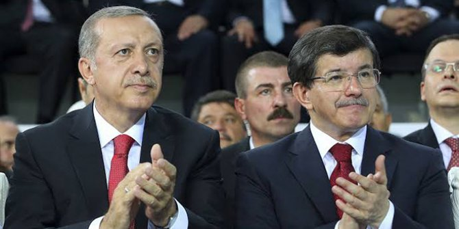"""Fehmi Koru: """"Erdoğan-Davutoğlu tartışması AKP'ye zarar verecek"""""""