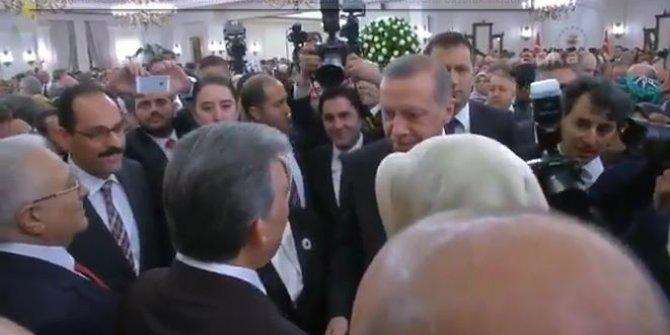 Recep Tayyip Erdoğan ve Abdullah Gül'ün samimi pozları yeniden gündem oldu