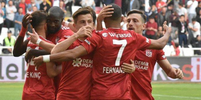 Sivasspor'dan Emre Kılınç ve Mert Hakan açıklaması