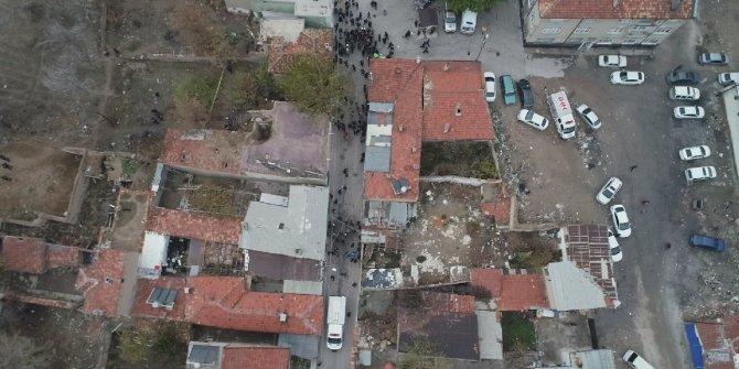 Konya'da bina çöktü: 3 ölü