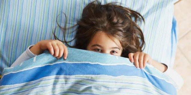Uzmanından 'altına kaçıran çocuğu bezlemeyin' uyarısı