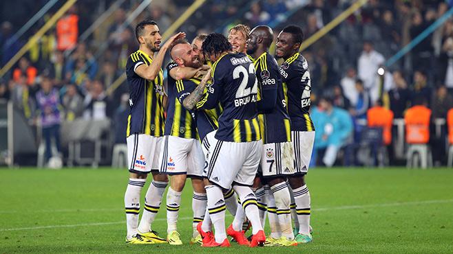 Şampiyon Fenerbahçe gövde gösterisi yaptı!