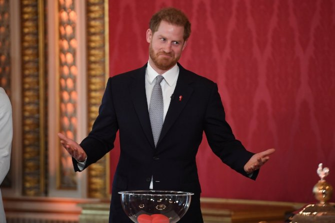 2020-01-16t133921z-1408388100-rc21he97lhji-rtrmadp-3-britain-royals-harry-rugby.jpg