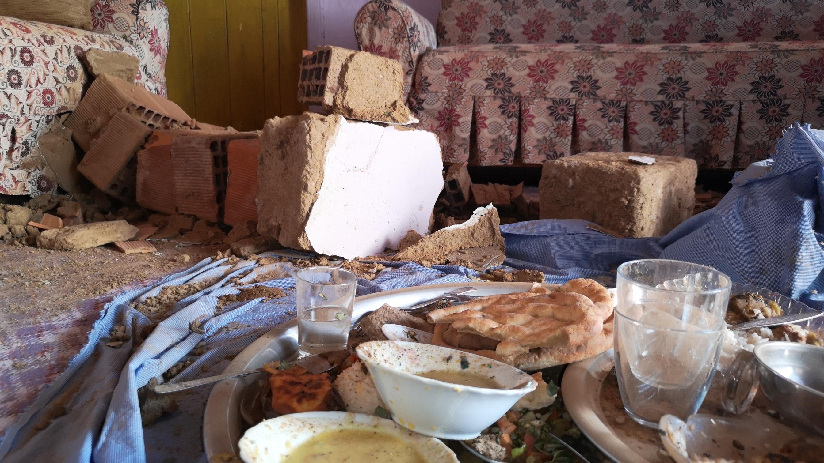 5-2lik-depremden-sonra-malatyada-derin-yariklar-olustu-6885-dhaphoto8.jpg