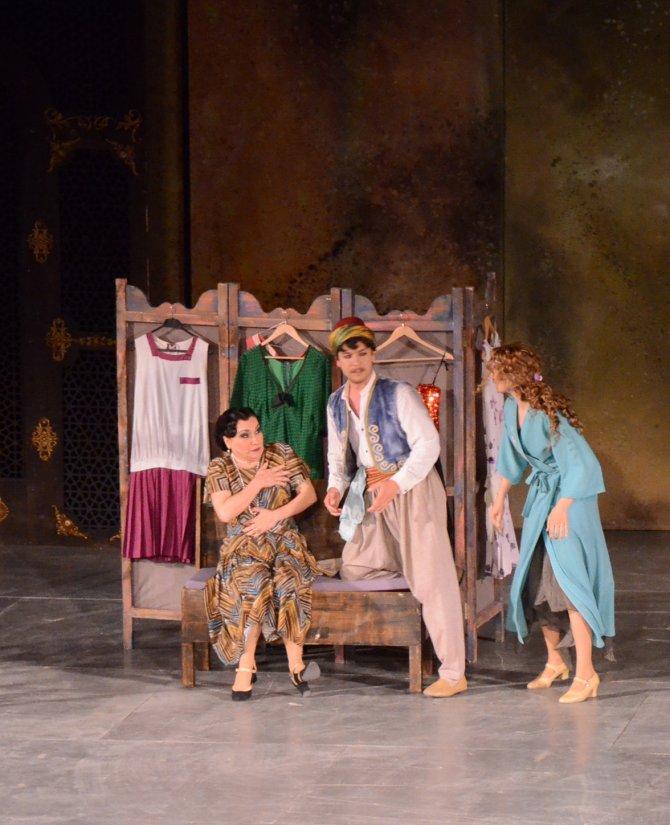 antalya-uluslararasi-tiyatro-festivali-basladi_8310_dhaphoto4.jpg
