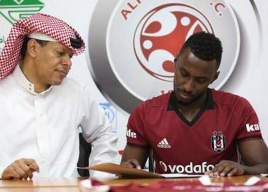 Alfaisaly ile sözleşmesini uzatan Mohammed Majrashi, imza töreninde Beşiktaş forması giydi