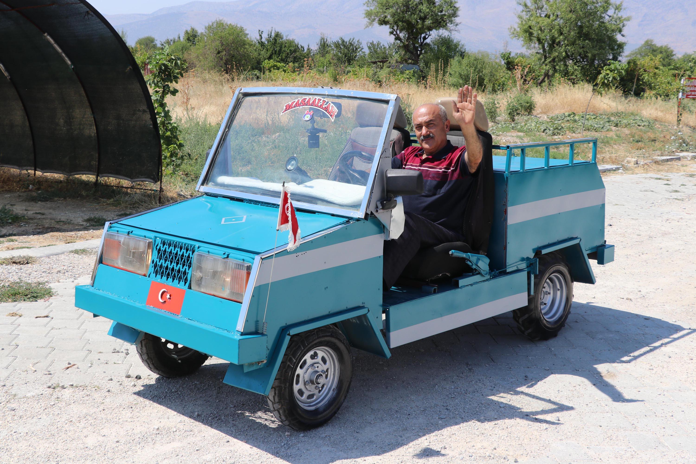 bicak-ustasi-capa-makinesi-motoruyla-ustu-acik-araba-yapti-5416-dhaphoto2.jpg