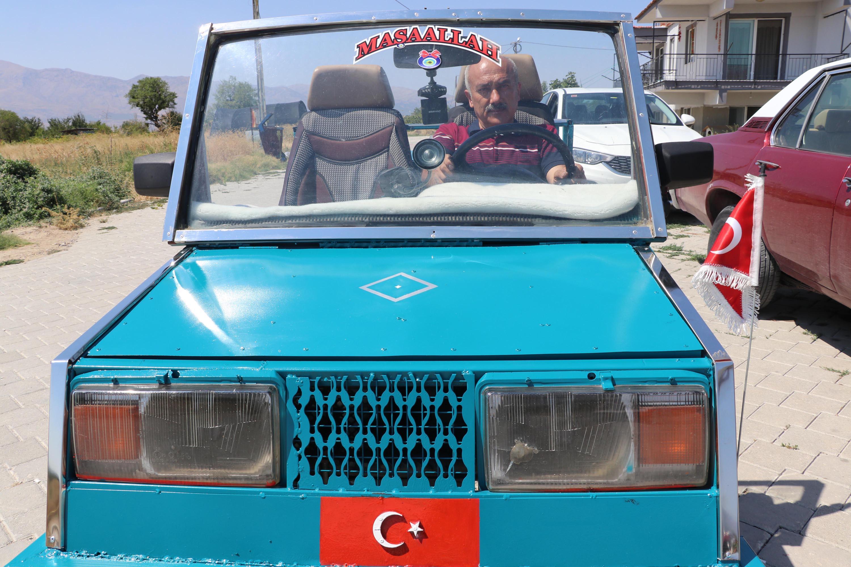 bicak-ustasi-capa-makinesi-motoruyla-ustu-acik-araba-yapti-5416-dhaphoto3.jpg