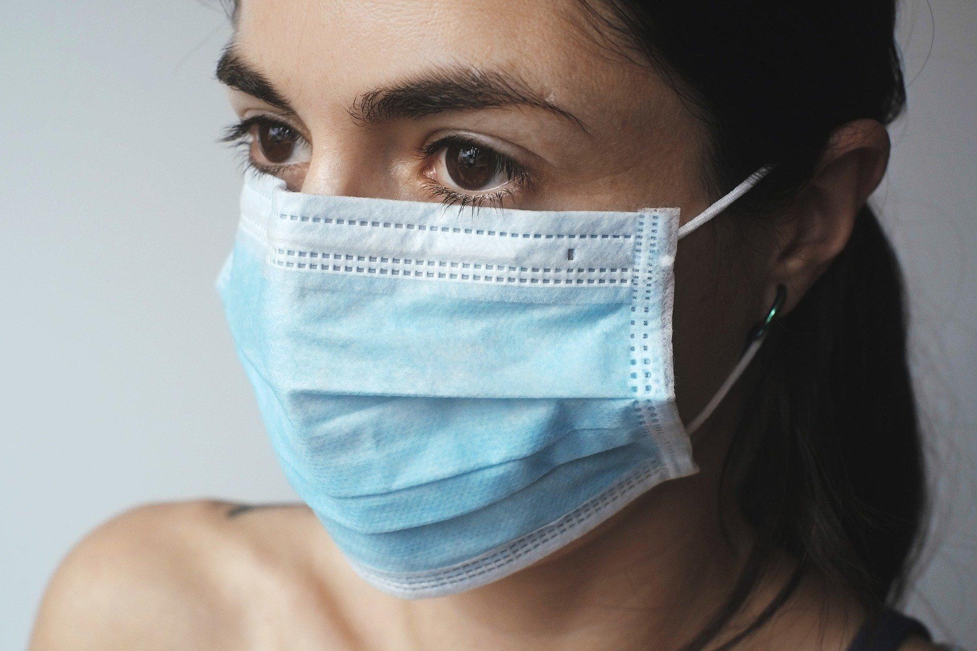 bilim-insanlarindan-sira-disi-iddia-maskeler-kaba-bir-asi-etkisi-yapabilir-9417-dhaphoto1.jpg
