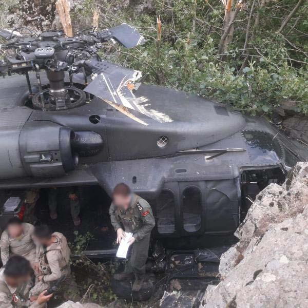 bingolde-askerleri-tasiyan-helikopter-ariza-nedeniyle-zorunlu-inis-yapti-9225-dhaphoto2.jpg