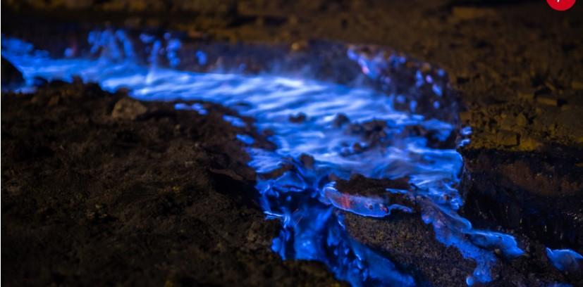 endonezya-yanardag-mavi-renkli-alev2.jpg