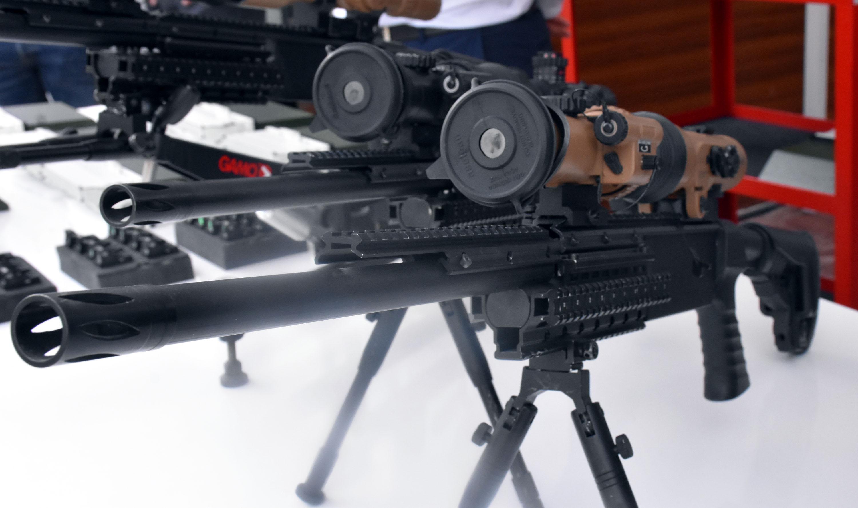 ilk-milli-periskop-ve-tabanca-refleks-nisangahi-yerli-firmalara-teslim-edildi-9201-dhaphoto10.jpg