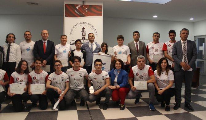 izmirli-3-okul-dunya-robot-olimpiyatinda-turkiyeyi-temsil-edecek_2293_dhaphoto1.jpg