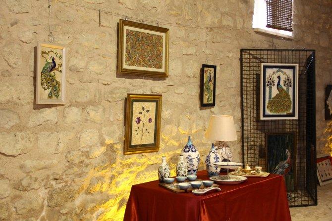 ogrencilerden-geleneksel-turk-sanatlari-sergisi_5242_dhaphoto8.jpg