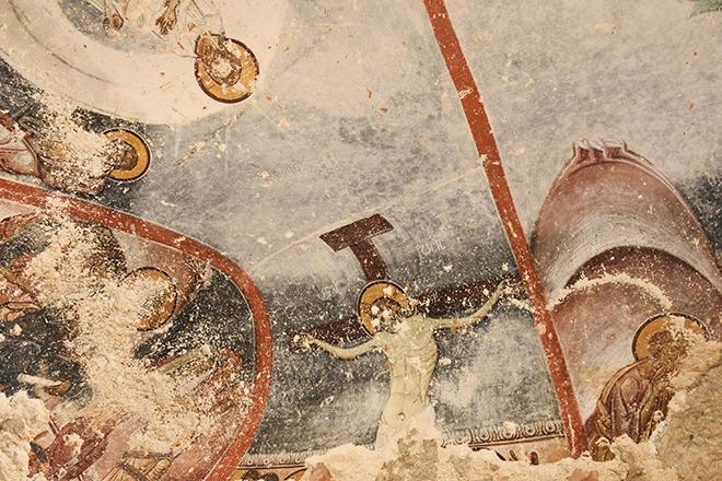 paha-bicilmez-freskler-tahrip-ediliyor_9177_dhaphoto2.jpg