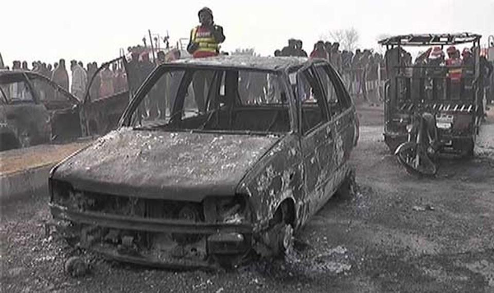pakistan-yangin-gaz-tanker100216,4jvwhumovkggj03zwrli6w.jpg