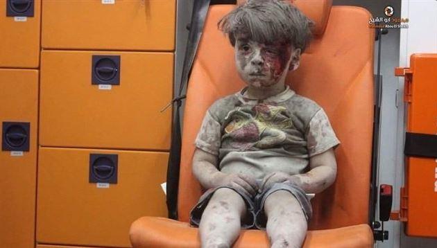 Suriyeli çocuğun bakışları