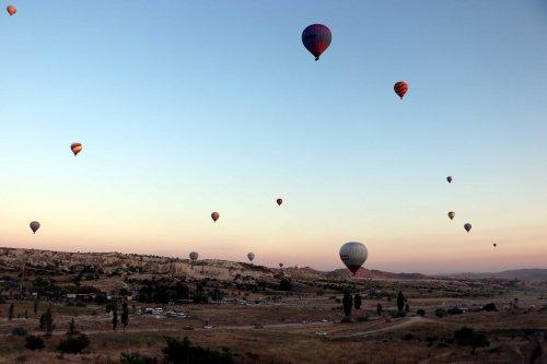 sicak-hava-balonlari-159-gun-sonra-kapadokya-semalarinda-4257-dhaphoto2.jpg