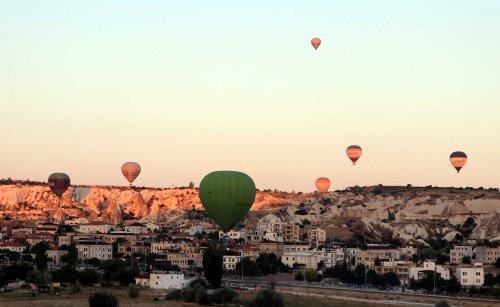 sicak-hava-balonlari-159-gun-sonra-kapadokya-semalarinda-4257-dhaphoto3.jpg