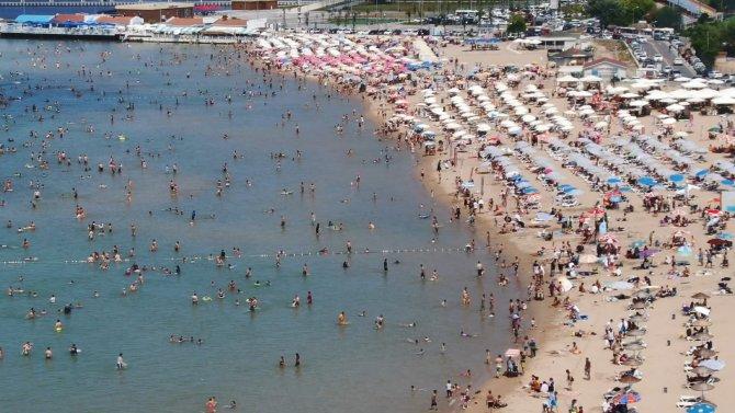 sile-sahillerinde-asiri-yogunluk-ek-fotograflar-7086-dhaphoto2-001.jpg