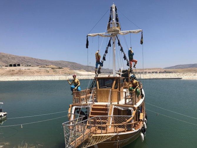 su-altinda-kalan-12-bin-yillik-hasankeyf-teknelerle-gezilecek-7335-dhaphoto12.jpg