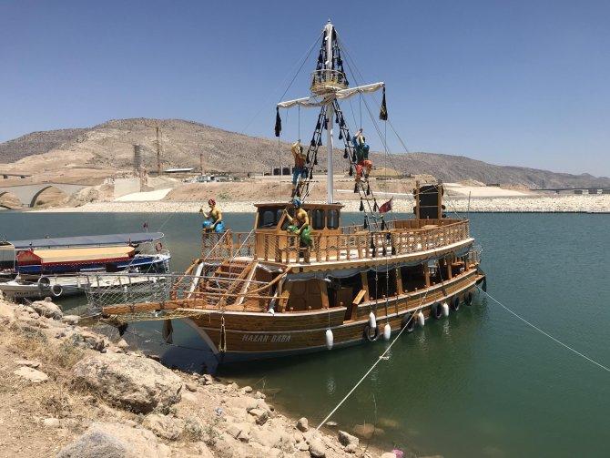 su-altinda-kalan-12-bin-yillik-hasankeyf-teknelerle-gezilecek-7335-dhaphoto4.jpg