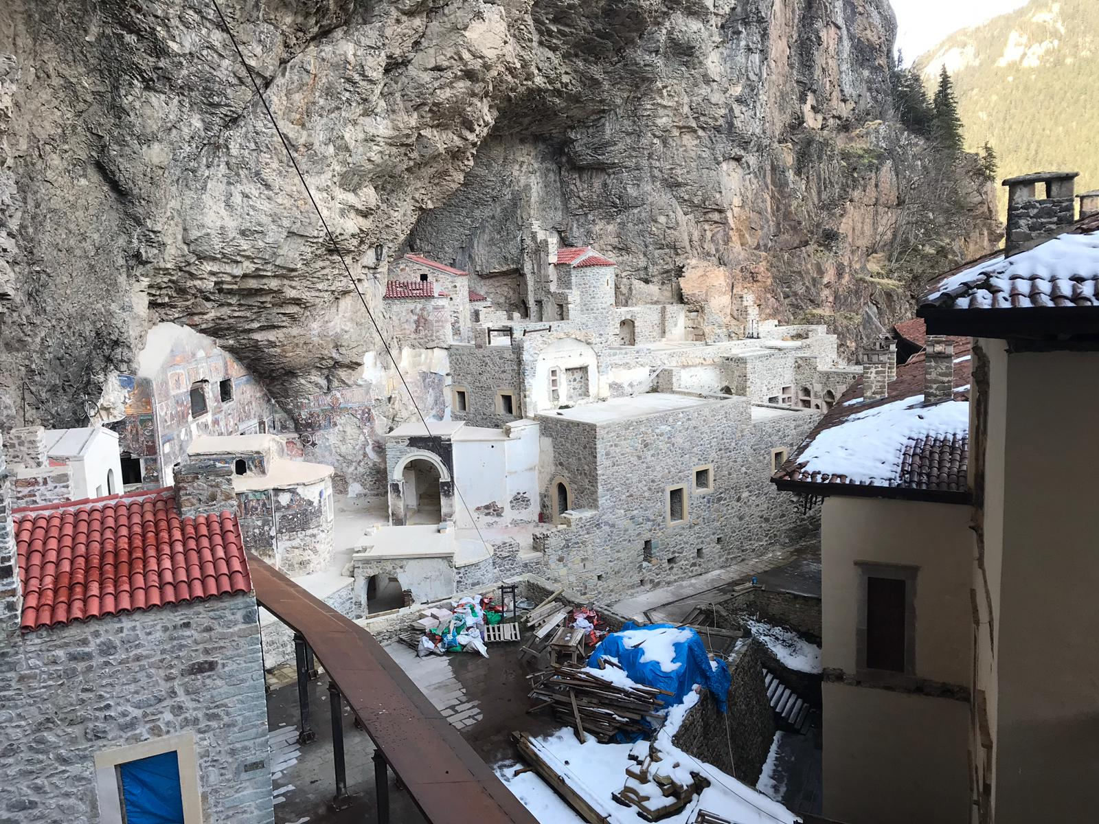 trabzonda-sumela-manastiri-ve-ayasofya-camii-yarin-ziyarete-aciliyor-6772-dhaphoto6.jpg